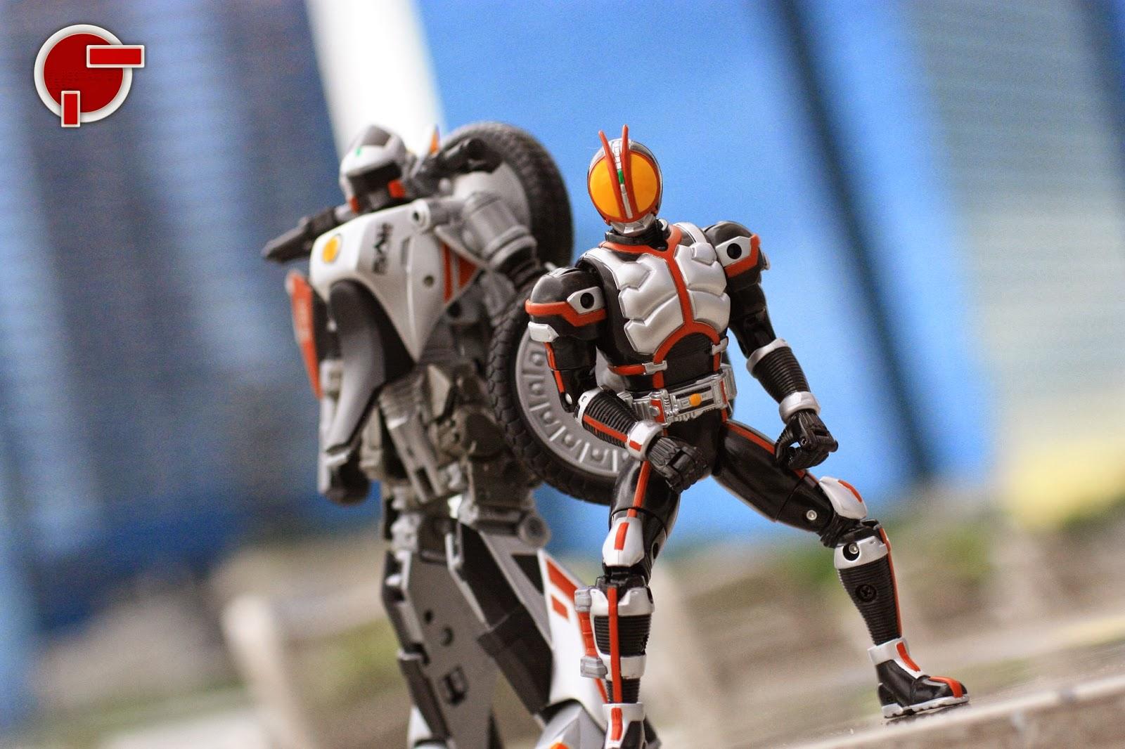 Kamen Rider Faiz Toys 90