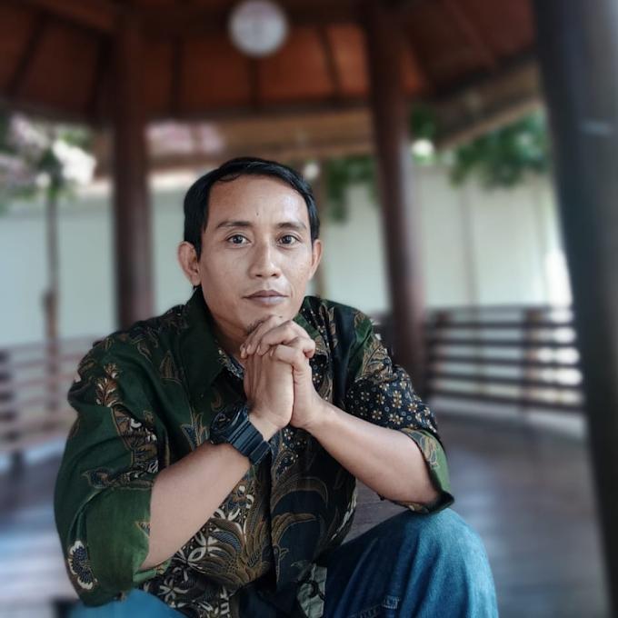 Batik Solo Amry