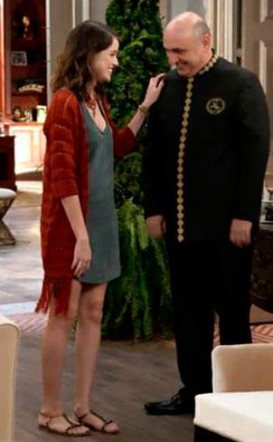 Figurino, Camila (Agatha Moreira) Haja Coração, kimono (casaco) de crochê vermelho