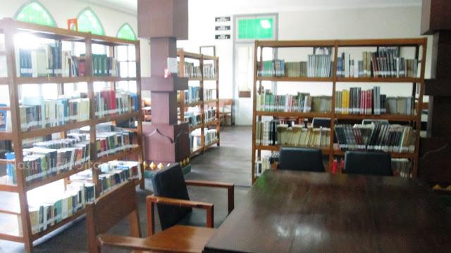 Ruangan di lantai 2 Jogja Library Center