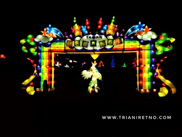 Wisata Malam di Taman Pelangi Yogyakarta