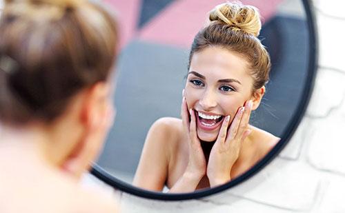 7 Consejos para desmaquillar y limpiar tu rostro en tiempo record: