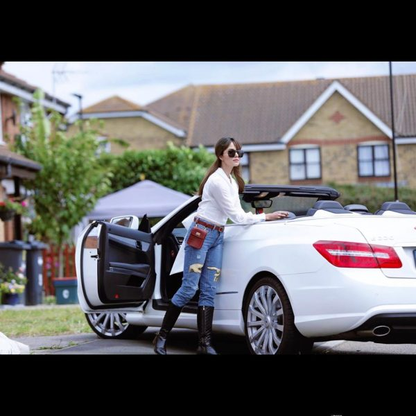 Nimra Khan Enjoying Ful time in London | Awesome Pictures
