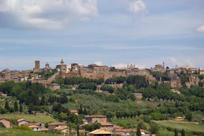 Gli abitanti di Civita di Bagnoregio si sono trasferiti nella periferia della città di Bagnoregio.