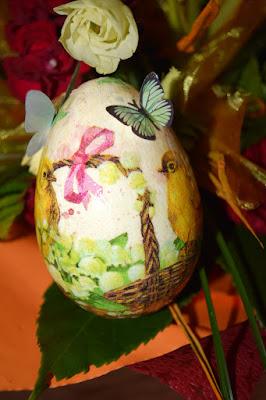Styropianowe jajka decoupage oraz scrapbookowe kartki wielkanocne.