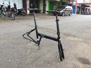 Frame Sepeda Lipat Folding Bike black