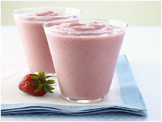 strawberry banana smoothie with yogurt, strawberry banana smoothie with milk, strawberry banana smoothie with water, strawberry banana smoothie without yogurt or milk, strawberry kiwi smoothie without yogurt, strawberry smoothie without yogurt or milk, strawberry and blueberry smoothie recipe without yogurt, strawberry banana smoothie without yogurt or ice