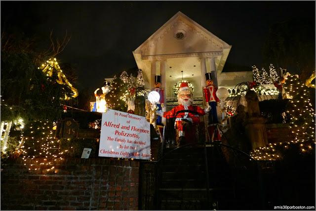 Casa de la Familia Polizzottos en el Barrio de Dyker Heights, Brooklyn