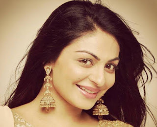 Neeru Bajwa baby, husband, photos, family, hot, daughter, movies, age, sister, movies list, married, marriage, child, wedding, name, date of birth, children, pregnant, wallpapers, harry jawandha