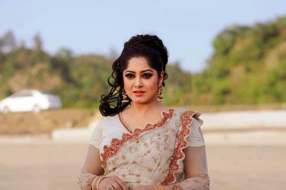 Actress Mousumi Best Photos & Short Biography 3