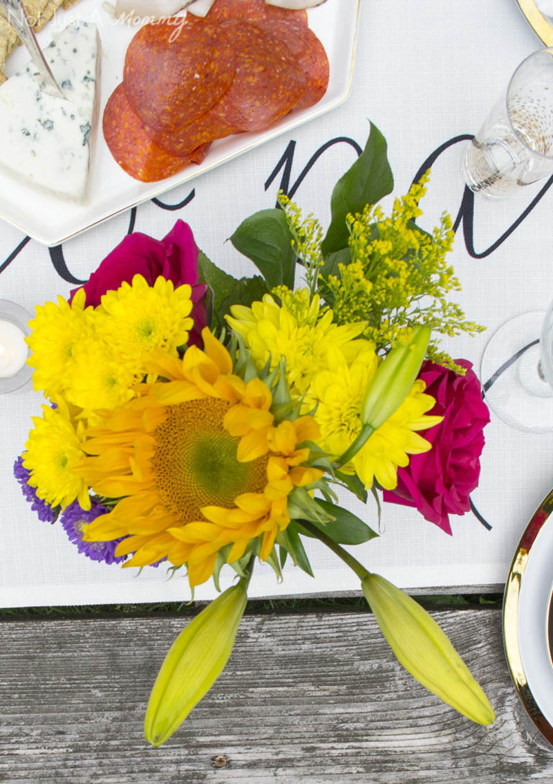 How To Throw  A End Of Summer Party In Less Than Two Hours; flowers