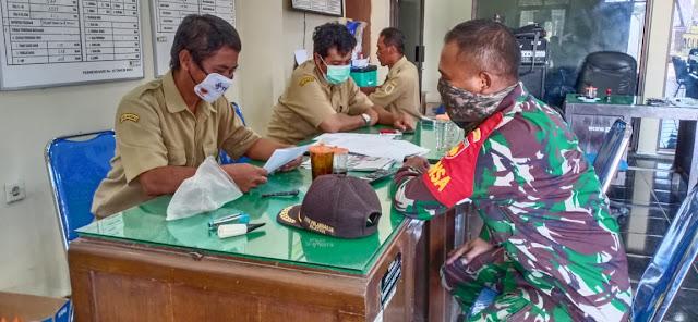 Jaga harmonisasi TNI Rakyat Babinsa Koramil 15/Polanharjo aktif kekantor desa