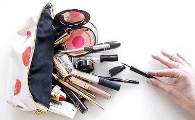 ➤ 10 cosas que TODA chica debería llevar en su bolso