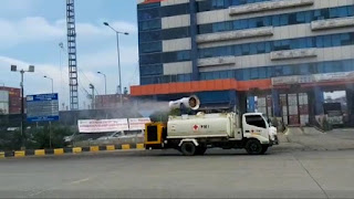 IPC Cabang Tanjung Priok Dukung Kegiatan Bulan K3 dengan Penyemprotan Disinfektan di Kawasan Pelabuhan