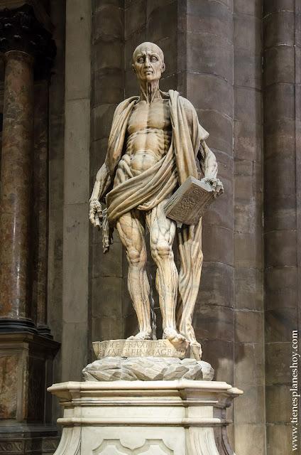 San Bartolomé Desollado Duomo Milan viaje Italia