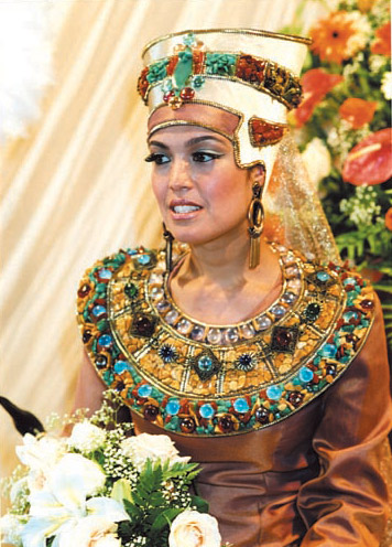 Wedding Destinations: Egyptian Wedding Dress. A Tradition From Ancient Culture