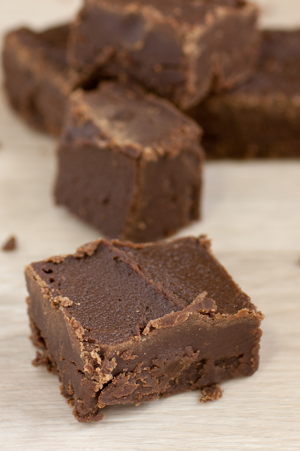 This chocolate fudge recipe made with CBD oil is perfect for satisfying your sweet tooth!