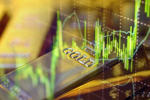 Золото растет на фоне опасений по поводу восстановления мировой экономики