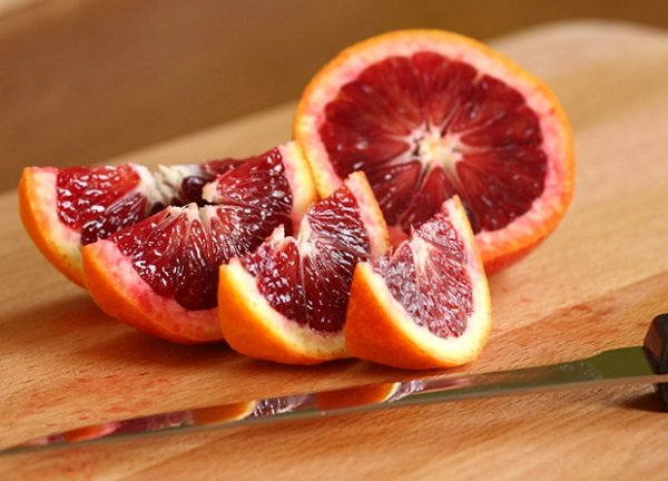 What are the benefits of red oranges?