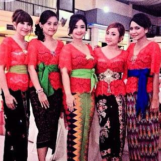 Kebaya Bali Warna Merah