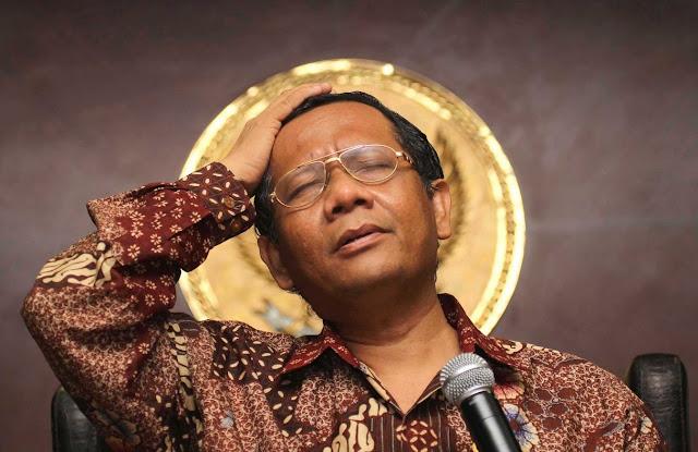 Ditanya Oleh Wartawati Soal Pelakor, Jawabannya Tidak Nyambung Gini, Prof. Mahfud MD: Ndeso Ya....