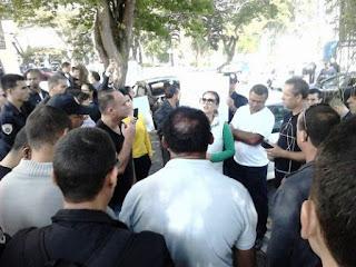 Guarda Civil Municipal faz protesto devido as precárias condições que estão expostos