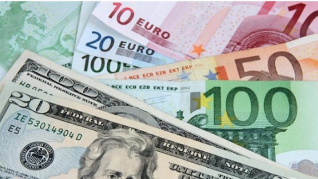 سعر الليرة السورية والتركية مقابل الدولار واليورو اليوم الإثنين 22-4-2019