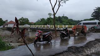 Komisi III DPRD Kabupaten Cirebon Kecewa Dengan Pembangunan Jembatan Rembes