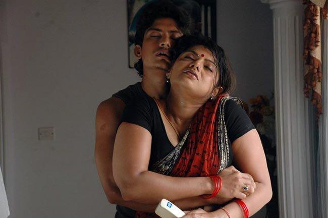 Tamil neighbor aunty boobs amp chut captured by bf - 3 6