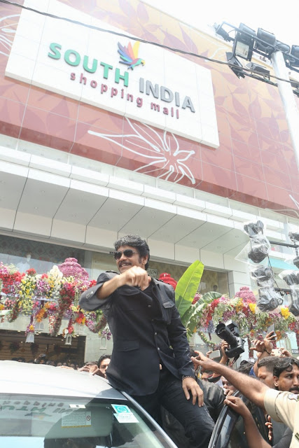 nagarjuna-launches-south-india-shopping-mall-at-madinaguda-photo