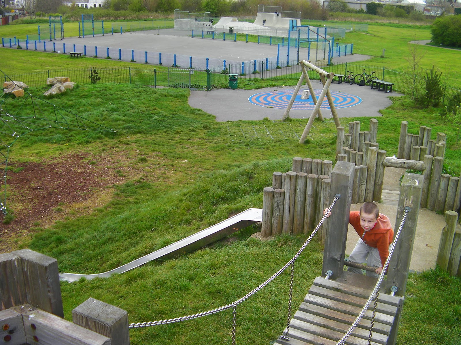 leesland road play park gosprt