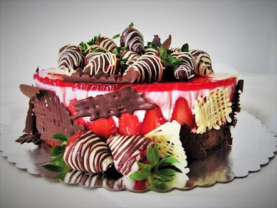 Torta od jagoda i bijele čokolade / Strawberry and white chocolate cake