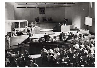 O julgamento de Eichmann: teatro e política na corte de Jerusalém