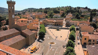 Piazzo Mino is the main square in the centre of Fiesole, in the hills to the northeast of Florence