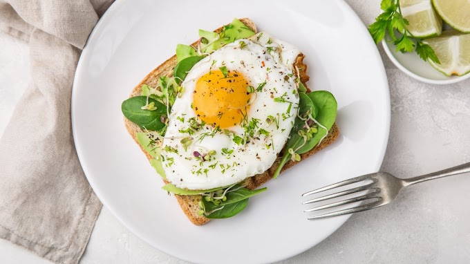 Fry Egg with Bread