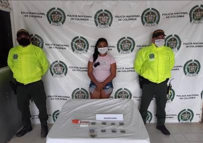hoyennoticia.com, A 'La Pato' propietaria del bar 'El Escondite', le encontraron marihuana para la venta
