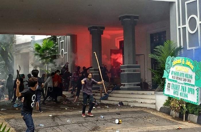 CEK FAKTA: Rumah Ketua DPR RI Puan Maharani Dibakar Massa Pendemo, Benarkah?