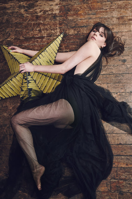 Aisling Bea see through