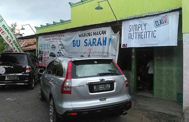 Warung Bu Sarah yang berada di Jalan Tunggul Wulung 59113, Kecamatan Pati, Kabupaten Pati, Jawa Tengah. (foto direktorijateng.com)