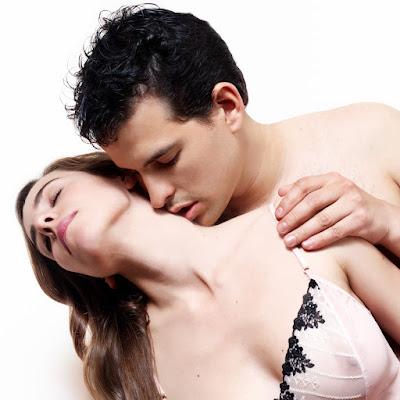 الجنس عند معظم النساء يعني شيئًا مختلفًا تمامًا عما هو عند معظم الرجال، الجنس عند الرجل يعني الشهوة والإثارة، أما عند المرأة فهو عمل فني متكامل،