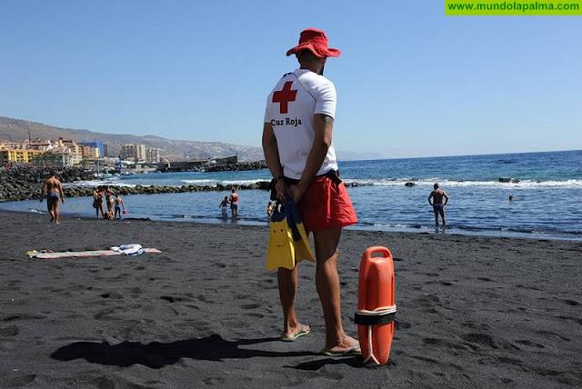 Cruz Roja presta cobertura en vigilancia, salvamento y socorrismo en 15 playas y piscinas de la provincia tinerfeña