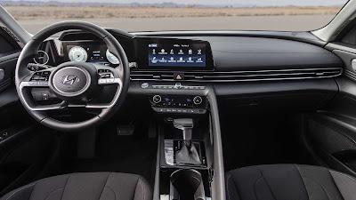 سيارة هيونداي إلنترا 2021