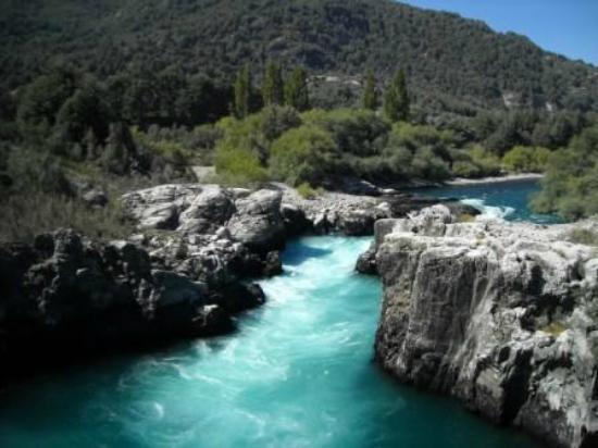 Sungai Futaleufu, Chili dan Argentina