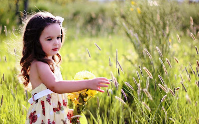 beautiful-baby-photos-with-flowers-imgs
