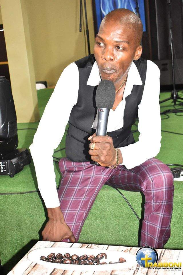 Pastor feeds his church members millipede and beer (photo)