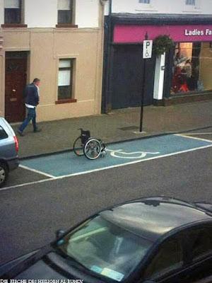 Lustige Bilder Behinderten-Parkplatz