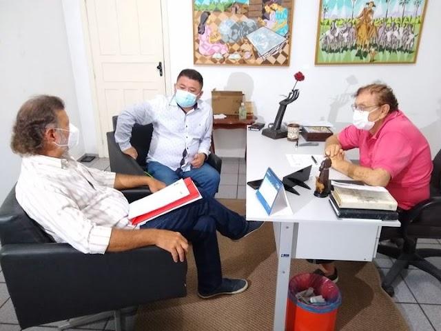 Prefeito Mão Santa trata com Superintendente de Turismo sobre ações em Parnaíba