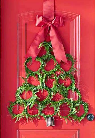 Χριστουγεννιάτικο Στεφάνι σε σχήμα Έλατου