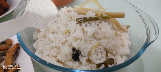 Nasi Lemak Sambal Udang Untuk Sarapan, resepi nasi lemak utara, resepi nasi lemak wangi, resepi nasik lemak mudah dan sedap, sambal nasi lemak, nasi, nasi lemak mudah dan sedap, sedapnya nasi lemak, cara masak nasi lemak, langkah demi langkah masak nasi lemak, nasi lemak sedap, resepi sambal nasi lemak, resepi sambal udang, resepi ayam goreng berempah mudah dan sedap, ayam goreng berempah nasi lemak, cara buat ayam goreng berempah, resepi nasi lemak mudah, nasi lemak utara  sedap, cara masak nasi lemak guna rice cooker, cara mudah masak nasi lemak, nasi lemak recipe, coconut rice recipe, santan, bestari tepung goreng rangup serbaguna, ayam, ayam goreng berempah, udang, sambal udang, sarapan pagi mudah, sarapan pagi sedap, idea untuk sarapan pagi