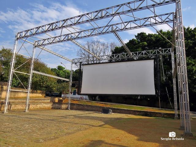 Vista ampla do Telão de exibições da Cinemateca Brasileira - Vila Clementino